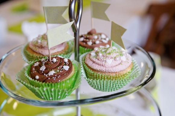 cupcakes-87032_640