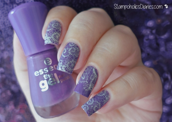 Lace Nails Essence 20 beautiful lies, Chez Delaney Dentelle A001 Stamping